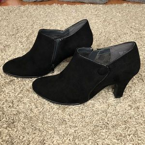 Brand new black suede ankle boot heel